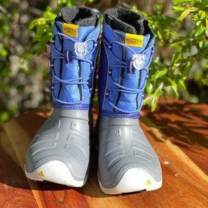 KEEN🍂🍁Snow Waterproof boots Sz 1 big kids